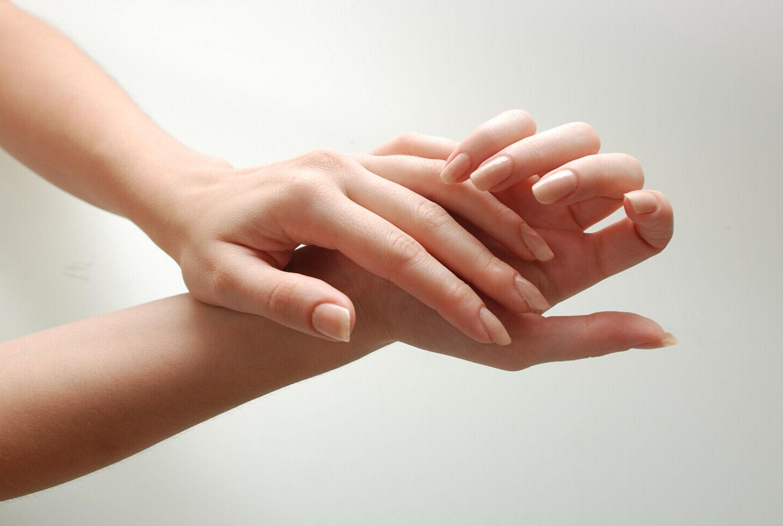 Advanced Hand Sanitizer 70% Alcohol Bottle